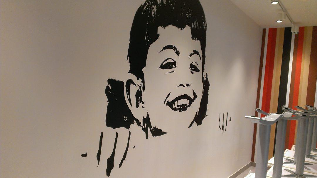 grafika ant sienos restorane 2