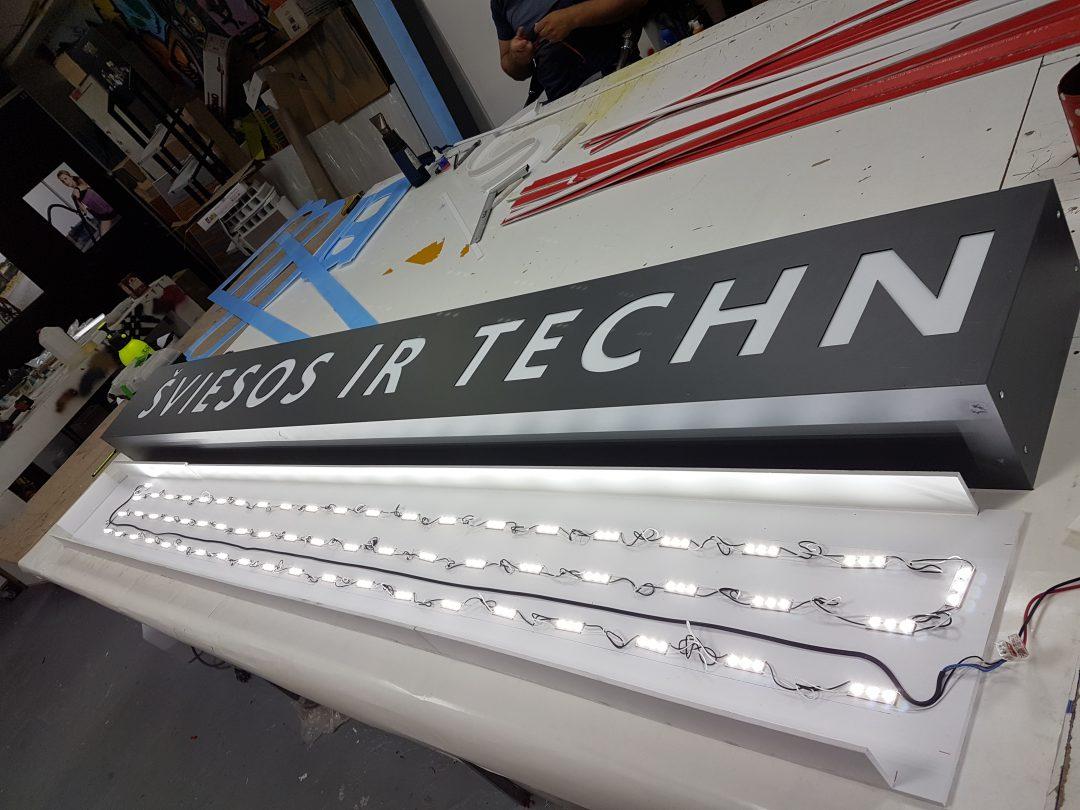 Sviesdeziu gamyba su LED